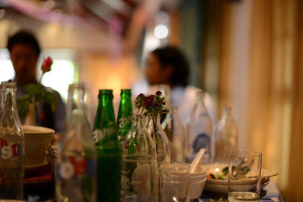 2013ランパーン/結婚式場でのお酒と花