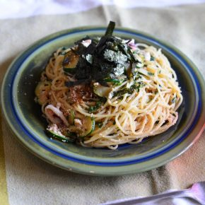 本当に簡単で美味しい剣先イカとタラコとシソのスパゲッティ