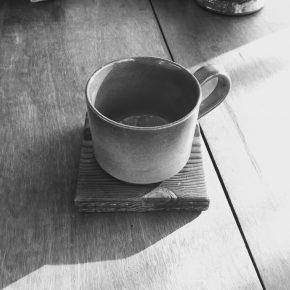 底が逆台形のコーヒーマグカップ用の自作コースター