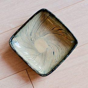 かわいく味のある器「練り上げ焼きの器」掛谷康樹作