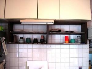 合板食器棚